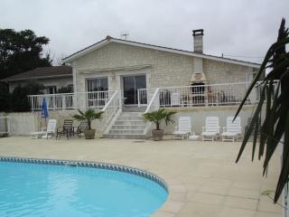 Maison avec4 chambres-piscine privée sans vis àvis - Pillac vacation rentals