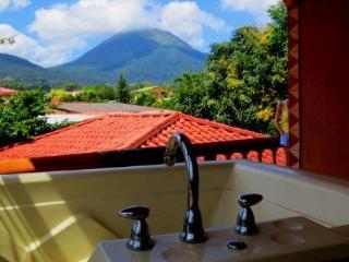 Cabina Calkins! - La Fortuna de San Carlos vacation rentals