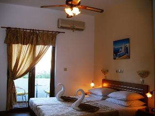 Nice Livadia Studio rental with Internet Access - Livadia vacation rentals