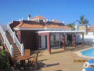 3 bedroom Villa with Satellite Or Cable TV in Caleta de Fuste - Caleta de Fuste vacation rentals