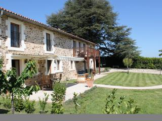 Spacious 5 bedroom Le Lindois Gite with Deck - Le Lindois vacation rentals