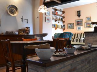 La casa del pittore di Petralia in Madonie Park - Petralia Soprana vacation rentals