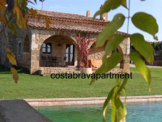 Casa Isabelle. 15km to Costa Brava beaches + pool - Province of Girona vacation rentals