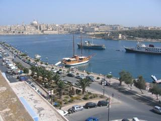2 bedroom Apartment with Internet Access in Sliema - Sliema vacation rentals