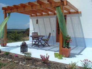 Sunny 1 bedroom Rogil Cottage with Internet Access - Rogil vacation rentals