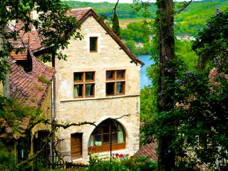 Beautiful House, Mythic Village*, Couples/Families - Saint-Cirq-Lapopie vacation rentals