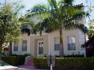 SoFi Beach-2 bedroom Cottage5 minute walk to Beach - Miami Beach vacation rentals