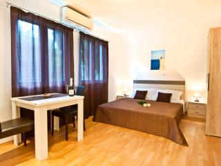 California apartments - 03 - Dubrovnik vacation rentals