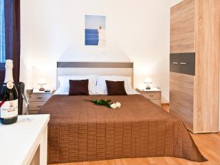 California apartments - 06 - Dubrovnik vacation rentals