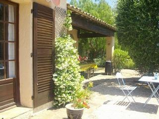 Villa amandiere- sleeps 2-6 people - Cavalaire-Sur-Mer vacation rentals