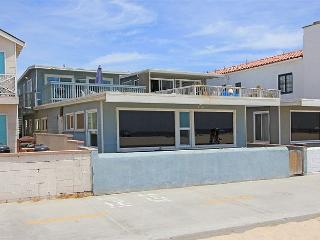 Upper Level Beach House on The Boardwalk! Great Views! (68148) - Newport Beach vacation rentals