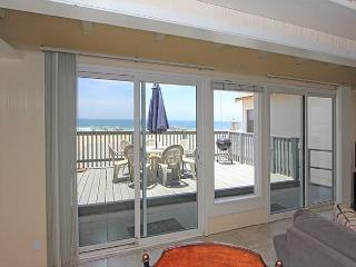 2 Bedroom Beach House on Boardwalk! Great Views! (68148) - Newport Beach vacation rentals