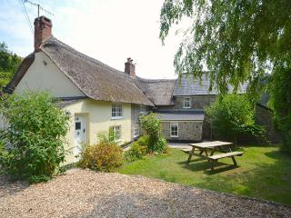 Charming 4 bedroom Branscombe Cottage with Internet Access - Branscombe vacation rentals