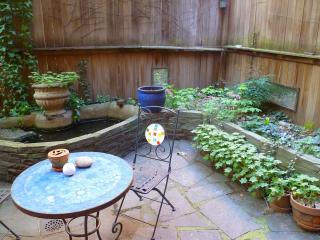 Large studio with private garden E village 6guests - New York City vacation rentals