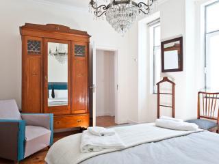 Estrela Park BnB Tejo room - Lisbon vacation rentals