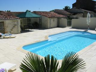 Nice Gite with Internet Access and Satellite Or Cable TV - Lucon vacation rentals