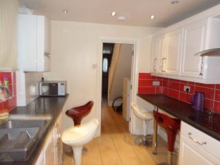 4 Bedroom house (G)  (2 bathrooms) London - London vacation rentals