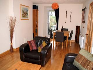 Nice Cottage with Deck and Internet Access - Borth-y-Gest vacation rentals