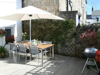 Bright 2 bedroom Cottage in Mousehole with Internet Access - Mousehole vacation rentals