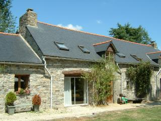 Oak Cottage - ask about late discounts - Plouguernevel vacation rentals