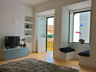 Wasabi Blue Apartment, Alfama, Lisbon - Lisbon vacation rentals