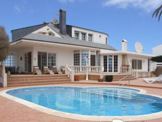 Lovely 4 bedroom Villa in Corralejo - Corralejo vacation rentals