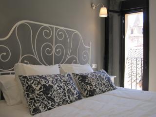 """Apartment """"Los Arcos"""" - Caceres vacation rentals"""
