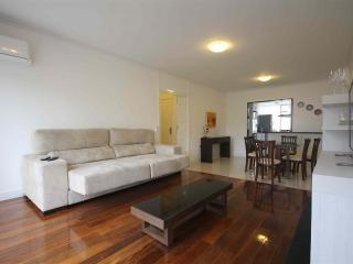 010- Apartment Luxurios Ipanema Beach Block - Rio de Janeiro vacation rentals