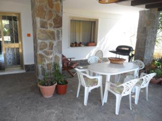 CASA A TORRE SUDA CON 3 CAMERE - Racale vacation rentals