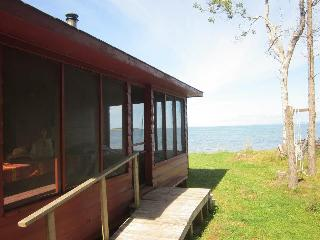 Cozy Cottage with Deck and Outdoor Dining Area - Bayfield vacation rentals