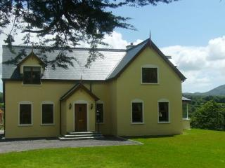 4 bedroom House with Satellite Or Cable TV in Kenmare - Kenmare vacation rentals