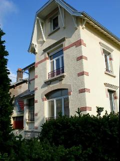 Bright 3 bedroom Gite in Longwy with Internet Access - Longwy vacation rentals