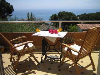Here comes the Sun! - Sant Pol de Mar vacation rentals