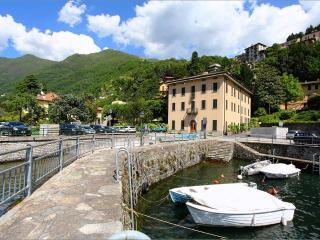 2 bedroom Apartment with Outdoor Dining Area in Faggeto Lario - Faggeto Lario vacation rentals