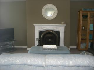 Beautiful House with Television and Microwave - Moville vacation rentals