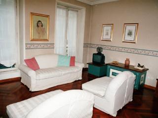 Place des Vosges-Beaumarchais ID: 96 - Paris vacation rentals
