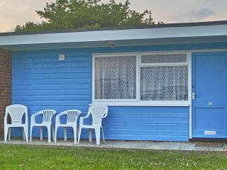 Hemsby Holiday Chalet - Hemsby vacation rentals