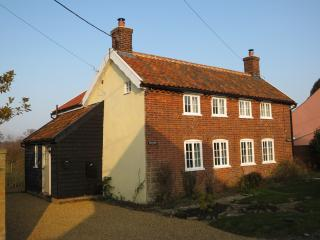 Perfect Cottage with Internet Access and Central Heating - Westleton vacation rentals
