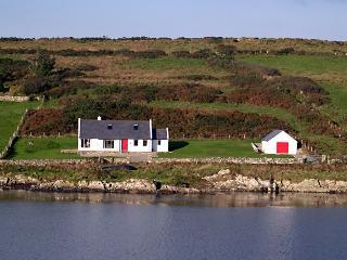 An Teach Ban on the Wild Atlantic Way near Clifden - Clifden vacation rentals