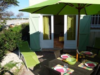Studio du Levant 50 m Plage La Nartelle Ste Maxime - Saint-Maxime vacation rentals