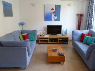 Es Moll 3 Puerto Pollensa 2 Bedrooms Sleeps 4 - Port de Pollenca vacation rentals
