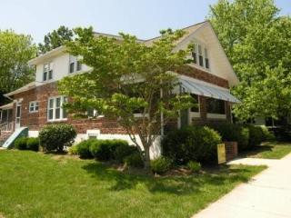 2 Blocks to the Beach Second Floor Apartment Sleeping - Lewes vacation rentals