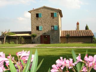 2 bedroom Tower with Internet Access in San Giustino Valdarno - San Giustino Valdarno vacation rentals