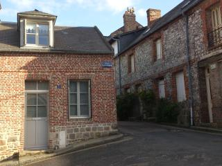 Adorable 1 bedroom Dieppe Gite with Internet Access - Dieppe vacation rentals