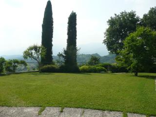 Bright 4 bedroom Villa in Asolo with Linens Provided - Asolo vacation rentals