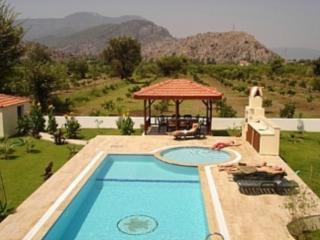 Spacious 4 bedroom Dalaman Villa with A/C - Dalaman vacation rentals
