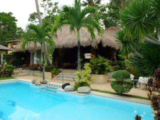 Nice Bungalow with Deck and Internet Access - Malay vacation rentals