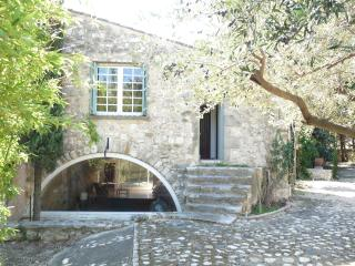 Perfect House with Internet Access and Washing Machine - Montpeyroux vacation rentals