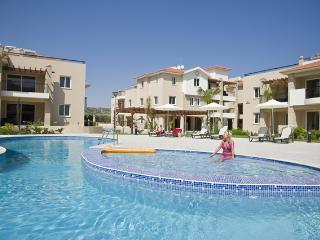 2 bedroom ground floor apt with pool view - Pyla vacation rentals