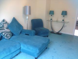 Lovely 2 bedroom Aberdeen Condo with Internet Access - Aberdeen vacation rentals